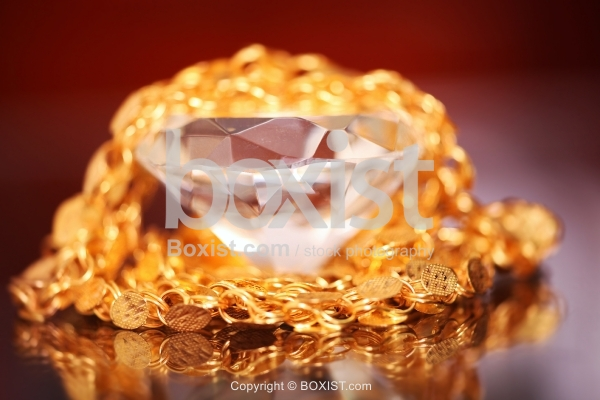 Faceted Crystal Diamond And Golden Chain