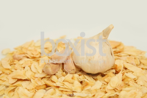 Head Of Garlic With Dried Slices