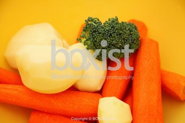 Peeled Fresh Cut Vegetables